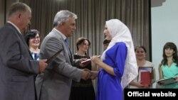 """Гафур Әбдрәшитов: """"Яулыклы кызымны дәрескә кертмиләр"""""""