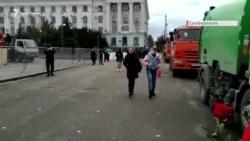 В Симферополе вышли сторонники и противники Навального, но акция не состоялась (видео)