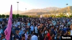 عکسی که خبرگزاری تسنیم از تجمع هواداران ابراهیم رئیسی در یاسوج منتشر کرده است
