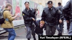 Правозащитники отмечают, что количество жалоб граждан на действия правоохранительных органов увеличивается.