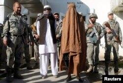 """Ауғанстанда тұтқындалған """"Талибан"""" мүшелері. 7 ақпан 2013 жыл."""
