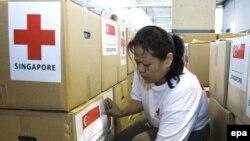 ارسال کمک های غذایی به دلیل «کارشکنی» دولت نظامی میانمار دچار مشکل شده است.(عکس: EPA)