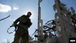Украинский военный на шахте «Бутовка», архивное фото