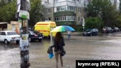 Дождь в Симферополе. Архивное фото