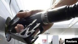 От цены на бензин в США во многом зависит дальнейший рост экономики