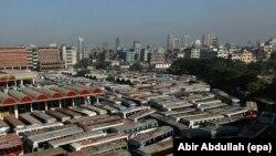 Улицы столицы Бангладеш - Дакки.