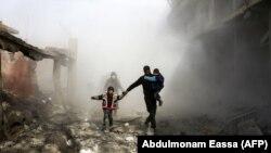 Эпизод бомбардировки силами Асада кварталов в пригороде Дамаска, 8 февраля 2018.