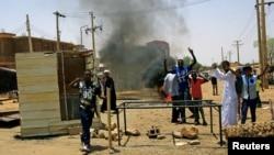 Протесты в столице Судана Хартуме, 5 июня 2019 года.