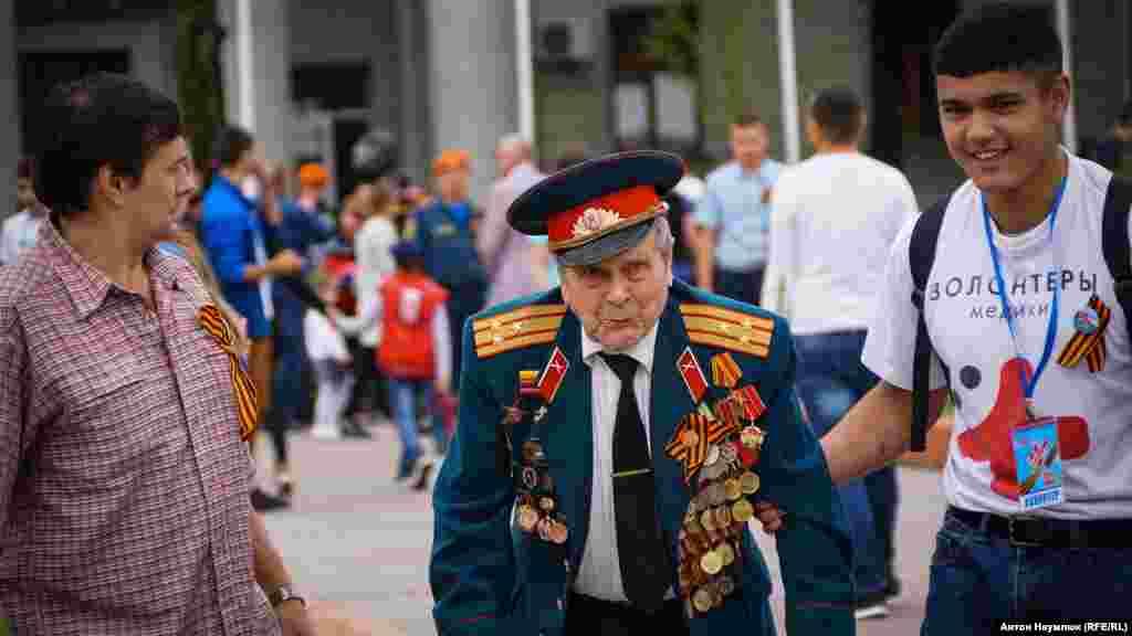 Всього на парад прийшли близько 60 ветеранів Другої світової війни