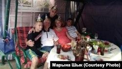 Сям'я Марыны і Аляксандра Шыкаў