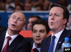 Vladimir Putin və David Cameron, 2 avqust 2012