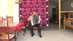 Садои зиндаи Аҳмад Зоҳир дар тарабхонаҳои Душанбе