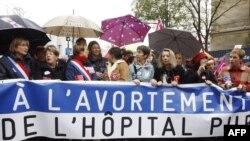 راهپیمایی زنان در پاریس، ششم نوامبر ۲۰۱۰