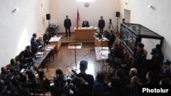 Одно из судебных заседаний по делу об убийстве семьи Аветисян в Гюмри (архив)