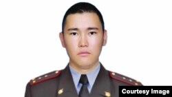 Милиция кызматкери Бакай Сыдыгалиевдин cөөгү 16-ноябрда жерге берилди.