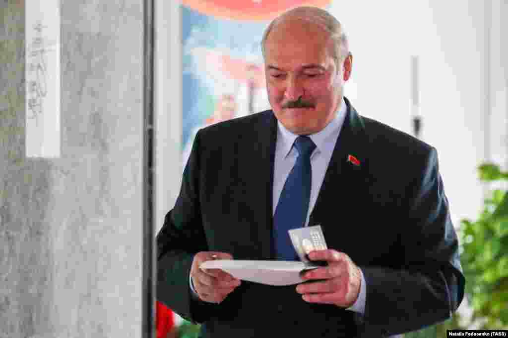 President Lukashenka casts his ballot in Minsk.