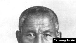 Алаштың көсемі һәм Алашорда үкіметінің төрағасы Әлихан Нұрмұхамедұлы Бөкейханның атылар алдындағы суреті. Бутырка түрмесі, Мәскеу, 1937 жыл. ССРО КГБ-сының мұрағатындағы сурет.