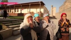 «Паломничество» к могиле Ислама Каримова