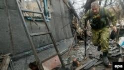 Представник угруповання донецьких сепаратистів біля Зайцева
