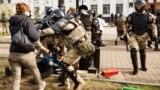 """ОМОН в Хабаровске """"просит убрать палатки"""""""