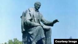 Ալեքսանդր Սպենդիարյանը արձանը Երևանում։