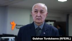 Дүйшөнбек Камчыбеков.