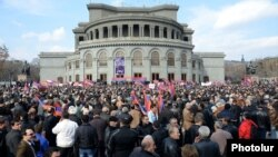 Armenia - The opposition Armenian National Congress holds a rally in Yerevan's Liberty Square, 1Mar2014.
