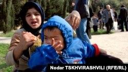 Ежегодно за пределами государственных детсадов в Грузии остается много детей