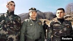 Генералите Мирко Норац, Младен Маркач и Анте Готовина сликани на воена вежба на Велебит на 13 март 1998