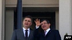 Ahmet Davutoglu i Denis Zvizdić na balkonu Džankaja palate u Ankari 7. april 2016.