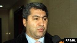 "2006-njy ýyldan bäri Täjigistanyň ""Yslam dikeldiş partiýasyna"" 45 ýaşly telekeçi Muhiddin Kabiri ýolbaşçylyk edýär."