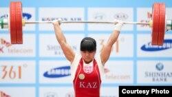 Қазақстандық ауыр атлет Зүлфия Чиншанло 27-жазғы Азия ойындарында. Инчхон, Оңтүстік Корея. 21 қыркүйек 2014 жыл.