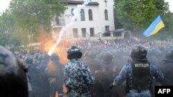 Столкновения во Львове 9 мая 2011 года