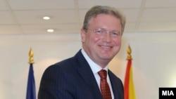 Еврокомесарот за проширување Штефан Филе