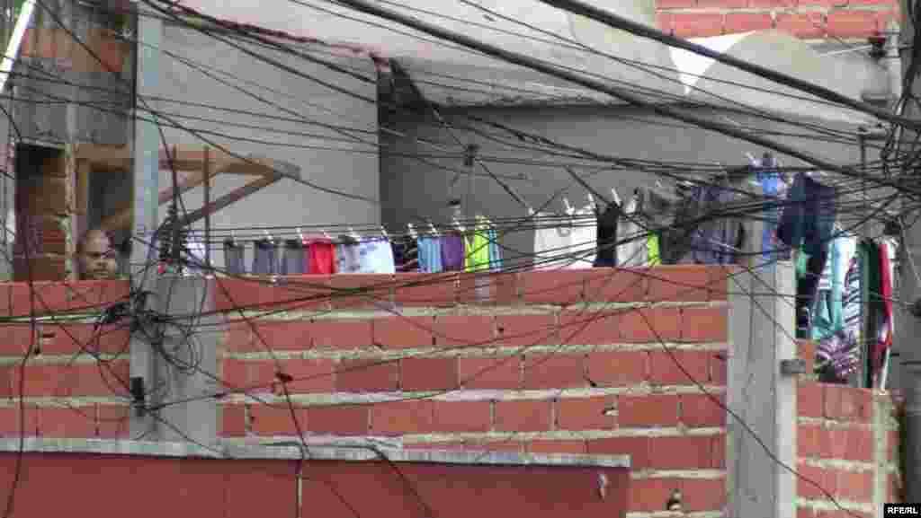 Braziliya favellası - gecəqondu uşaqları #8