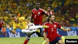 Կոլումբիացիների կոշտ խաղը Նեյմարի դեմ, ֆուտբոլի աշխարհի առաջնության մեկ-քարորդ, Ֆորտալեզա, 4 հուլիսի, 2014թ.