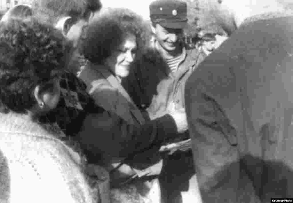 Українська письменниця, шістдесятниця Ліна Костенко спілкується зі студентами