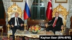 Recep Tayyip Erdogan și Vladimir Putin la ultima lor întîlnire, la Istanbul, 19 noiembrie 2018