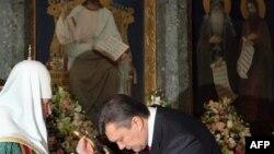 Патриарх РПЦ МП Кирилл и президент Украины Виктор Янукович