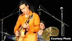 Македонскиот џез гитарист Владимир Василевски Четкар.