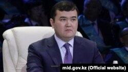 Жеңіс Қасымбек.