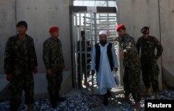 Із нагоди остаточної передачі в'язниці відпустили частину в'язнів, які не становлять небезпеки, 25 березня 2013 року