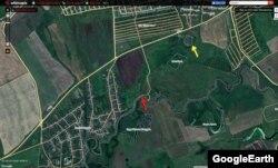 """Красная стрелка — место впадения в Кондурчу ручья. 22 мая вода здесь была белого цвета. Желтая стрелка — старые очистные сооружения канализации. """"Отстойник"""" — пруд-охладитель ЗАО """"Нурлатский сахар""""."""