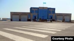 Пункт пропуска «Темир-баба» на границе Казахстана и Туркменистана.