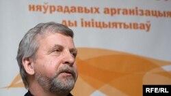 Александр Милинкевич уверен, что сближение с Европой вынудит Лукашенко к либерализации