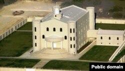 Хорошенькое Эльдорадо. Что творится за оградой укрепленных бастионов мормонов-фундаменталистов, остается только догадываться