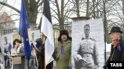 Активисты, в первую очередь, русскоязычной диаспоры Эстонии, сопротивляются переносу монумента