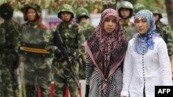 Шиңжаң уйгур автоном районунда этникалык хан кытайлары менен уйгурлардын ортосундагы кагылыштар утур-утур болуп турат.