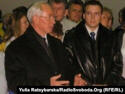 Микола Азаров під час візиту на «Південмаш», Дніпропетровськ, 25 жовтня 2011 року