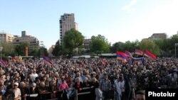 ՀԱԿ-ի հանրահավաքը Ազատության հրապարակում, 2013թ․